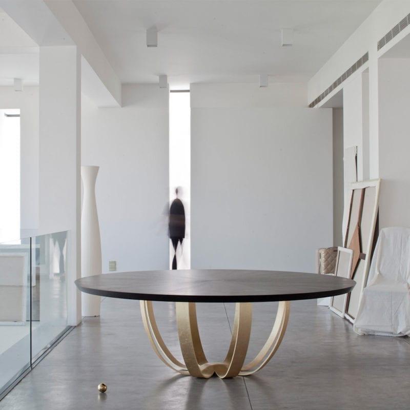 Table Web de Nada Debs - The Invisible Collection