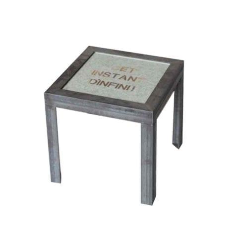 """Table """"Un instant"""""""