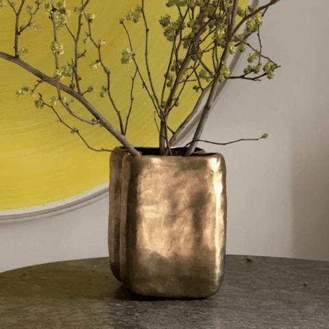 Ya Woto Vase