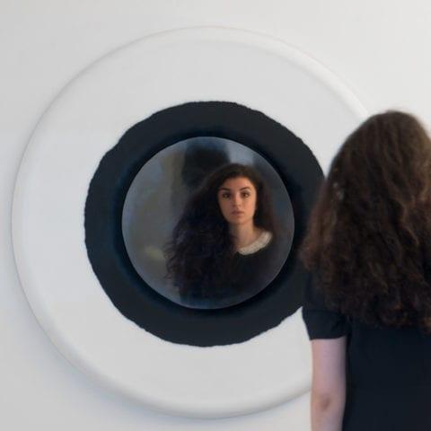 Blanc Cassé Mirror
